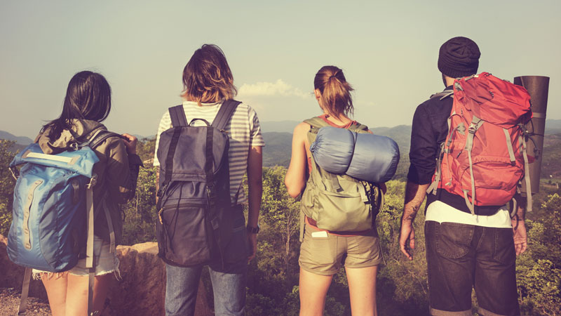 Reasons to Quit Your 9-5 and Travel While You're Young