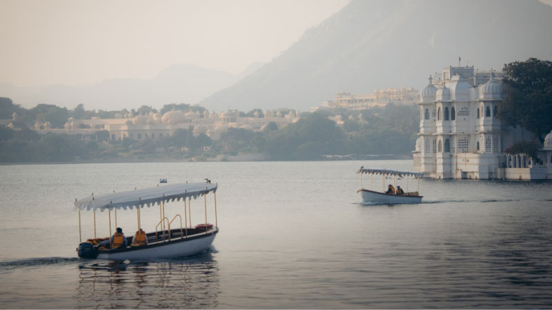 the white city of udaipur in india